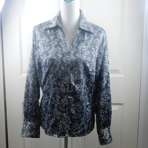East 5th Tops - east 5th Women's Button Front Blouse Black White